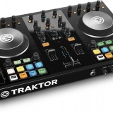 Native Instruments: Traktor Kontrol S2 MK2